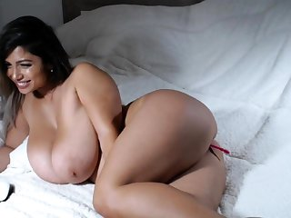 Big bbw latin fingering her cunt permanent for the show