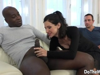 Wifey and Cuck converse a ebony into booty bang-out porntube