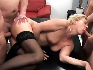 Mia Bangg double vividness Group Sex