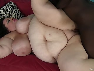 Fat skirt lands massive BBC into her soaked cunt
