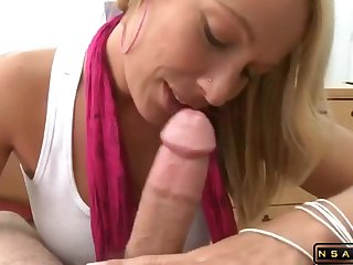 Delicious Gold housewife gets pounded