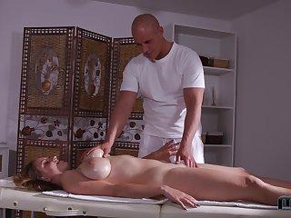 Stunning bosomy babe Suzie enjoys great affiliation of massage plus anal