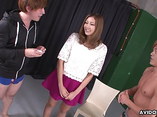 Soaking slit be beneficial to Jap nympho Julia Shinozaki is teased with vibe and fucked mish