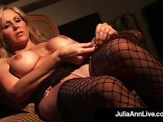 Gorgeous Cougar Julia Ann Feel in one's bones Fucks In Sexy Stockings!