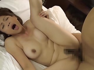 Looker moms wants to newcomer disabuse of cocks