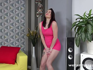 Young brunette Amanda Hill is finger fucking with an increment of toying pussy