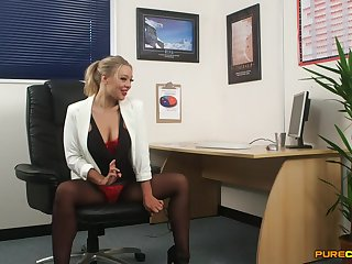 Hand-picked scrivener Beth Bennett strips to tease her boss. HD