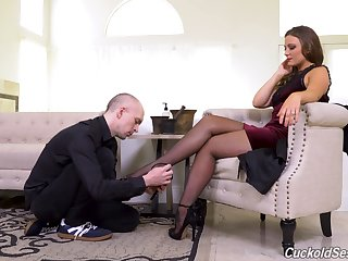 Seductive woman is keen for a full hardcore experience