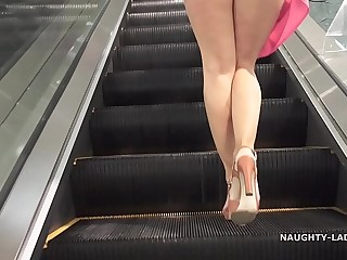 Picayune undies shopping public flashing upskirt
